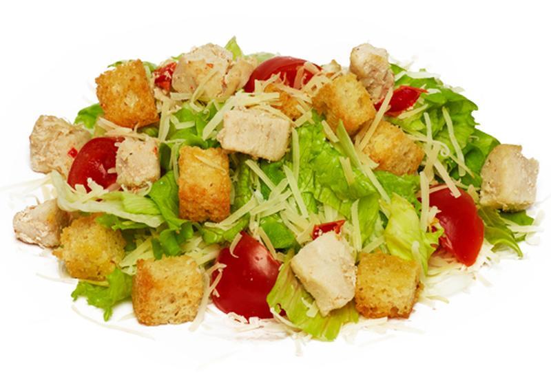 Салат с сухариками курицей и помидорами рецепт