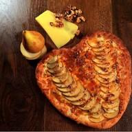 С сыром и грушей Фото