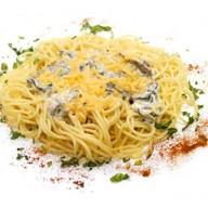 Спагетти с сыром и грибами Фото