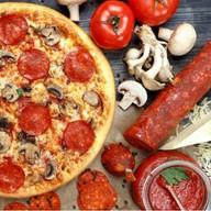 С колбасой и грибами Фото