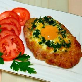 Шницель запеченный с сыром и яйцом - Фото