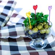 Маслины и оливки Фото