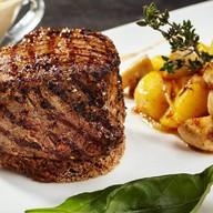 Пеппер-стейк с картофелем и грибами Фото