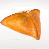 Пирожок с мясом Фото