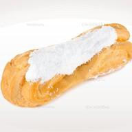 Эклер с белковым кремом Фото