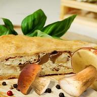 Пирог с белыми грибами и картофелем Фото