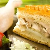 Пирог с картофелем и куриным филе Фото