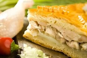 Пирог с картофелем и куриным филе - Фото