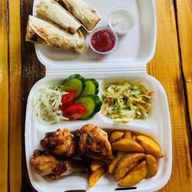 Бизнес-ланч с куриной голенью - Фото