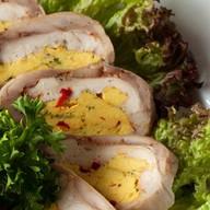 Рулет куриный с овощами Фото