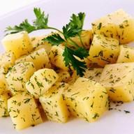 Картофель отварной с зеленью и маслом Фото