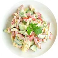 Купеческий салат с салями Фото