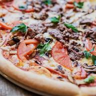 Пицца с шашлычком Фото