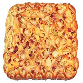 С яблоками и брусникой (сдобное) - Фото