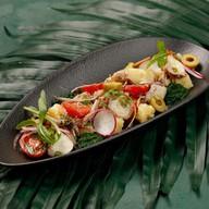 Салат с осьминогом Фото