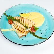 Кальмар на гриле с картофельным кремом Фото