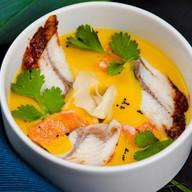 Тыквенный суп с имбирем и жареным угрем Фото