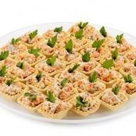 Тарталетки с мясным салатом Фото