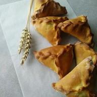 Фуршетные мини-пирожки картофель, лук Фото