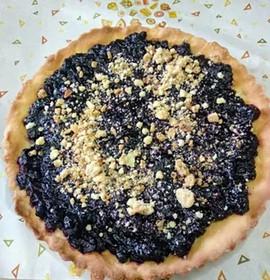 Пирог с черникой на песоном тесте - Фото