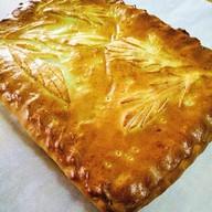 Пирог с зеленым луком, яйцом и рисом Фото