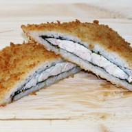 Суши сэндвич с копчёной курицей Фото