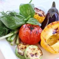 Ассорти печеных овощей на мангале Фото