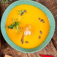 Крем-суп из копчёной тыквы с креветками Фото