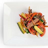 Салат из говяжьей вырезки Фото