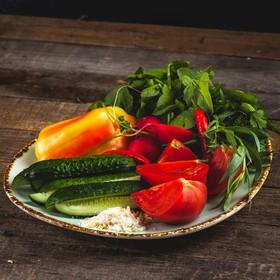 Ассорти из свежих овощей - Фото