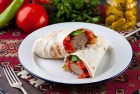 Люля-кебаб мясной в лаваше - Фото