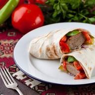 Люля-кебаб мясной в лаваше Фото