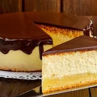 Чизкейк с шоколадным соусом Фото