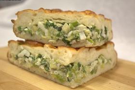 Пирог с луком зеленым и яйцом - Фото