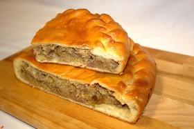 Пирог с рубленой говядиной и капустой - Фото
