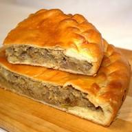 Пирог с рубленой говядиной и капустой Фото