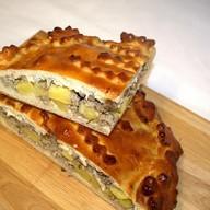 Пирог с мясом и картофелем Лакомый Фото