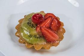 Корзиночка с фруктами - Фото