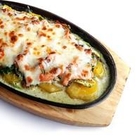 Гратен из лосося с овощами Фото
