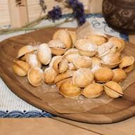 Орешки с грецким орехом и сгущенкой Фото
