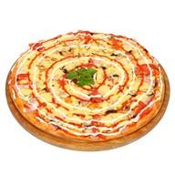 Пицца с грибами и ветчиной Фото
