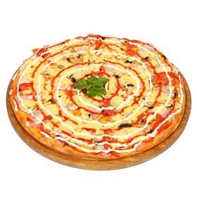 Пицца с грибами и ветчиной - Фото