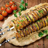 Картофель с салом на мангале Фото