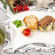 Трио Оливье с лососем, курой и языком Фото