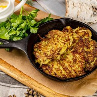 Драники из картофеля с грибным соусом Фото