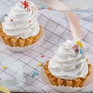 Пирожное Корзиночка с белковым кремом Фото