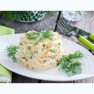 Салат из кальмаров с огурцом Фото