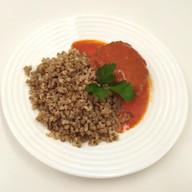 Ежики в томатном соусе с гречей Фото