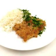 Шницель с отварным рисом Фото