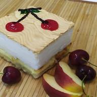 Шарлотка яблочно-творожная Фото